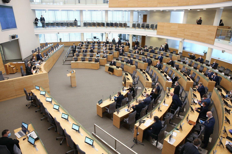 Tautos išrinktųjų balsavimas dėl KT ir AT teisėjų parodė: Seimas taip pat turi daug galių ir aklai jau nebebalsuoja.<br>R.Danisevičiaus nuotr.