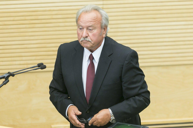 """Seimo narys B.Bradauskas yra pagarsėjęs medžiotojas. Jo būrelis """"Antanava"""" driekiasi daugiau nei 10 hektarų teritorijoje. Vasario pabaigoje Aplinkos apsaugos departamentas pasirašė įsakymą atimti iš būrelio """"Antanava"""" teisę naudotis medžioklės plotu.<br>T.Bauro nuotr."""
