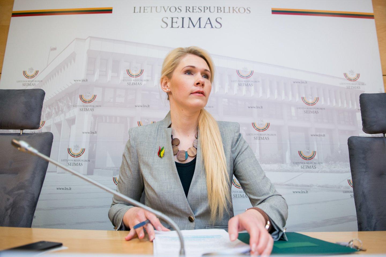 VRK pirmininkė L.Matjošaitytė nedaug tepasakė apie apsamanojusius skundus.