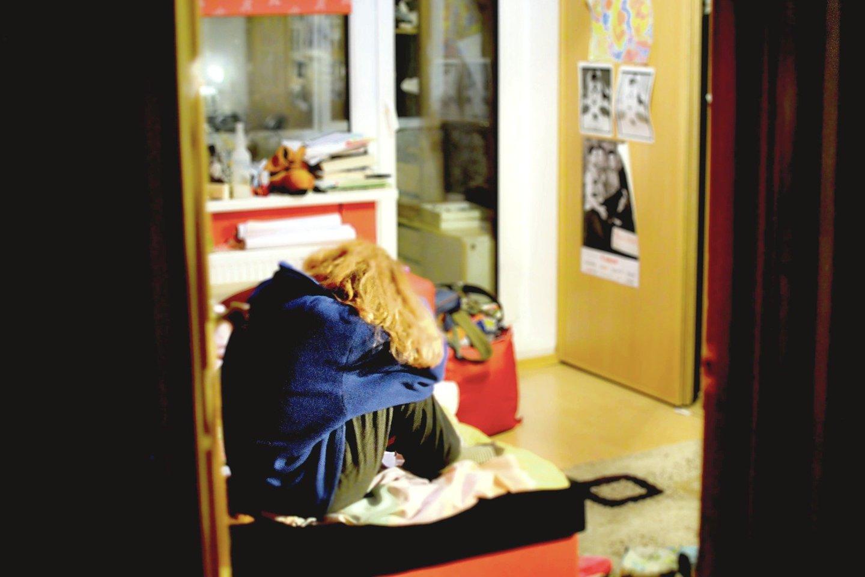 """Pragaras būna ne tik vadinamosiose asocialiose šeimose. Kaip įsitikino """"Lietuvos rytas"""", psichologinių smurtautojų aukomis tampa ir šviesios moterys."""