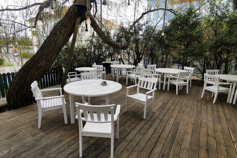 Lauko kavinės, koronavirusas, karantinas, verslas, kavinė, staliukas, mieste, turistai, lauko kavinė, žmonės<br>R.Danisevičiaus nuotr.