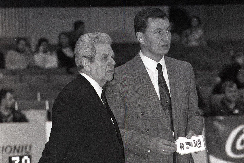 1993-ieji: J.Kazlauskas trenerio karjeros pradžioje su V.Garastu.<br>LR nuotr.