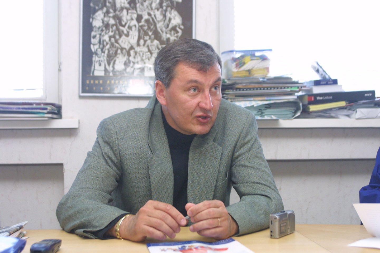 Dauguma krepšinio gerbėjų žino Joną Kazlauską kaip vieną geriausių Europos trenerių.<br>P.Lileikio nuotr.