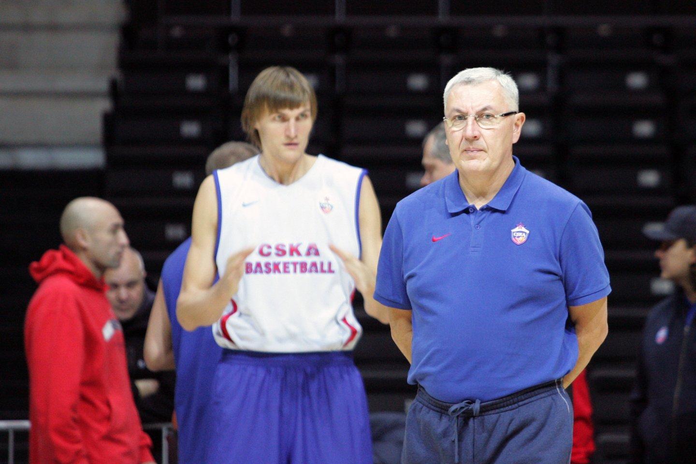 Dauguma krepšinio gerbėjų žino Joną Kazlauską kaip vieną geriausių Europos trenerių.<br>P.Mantauto nuotr.