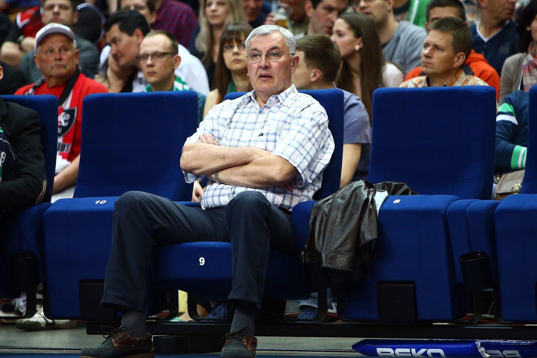 Dauguma krepšinio gerbėjų žino Joną Kazlauską kaip vieną geriausių Europos trenerių.<br>G.Šiupario nuotr.