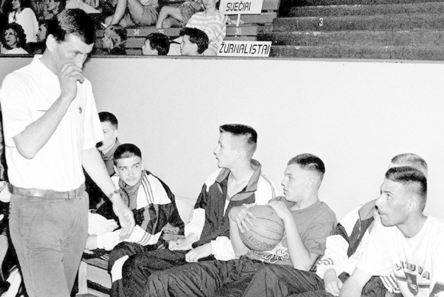 Dauguma krepšinio gerbėjų žino Joną Kazlauską kaip vieną geriausių Europos trenerių.<br>LR nuotr.
