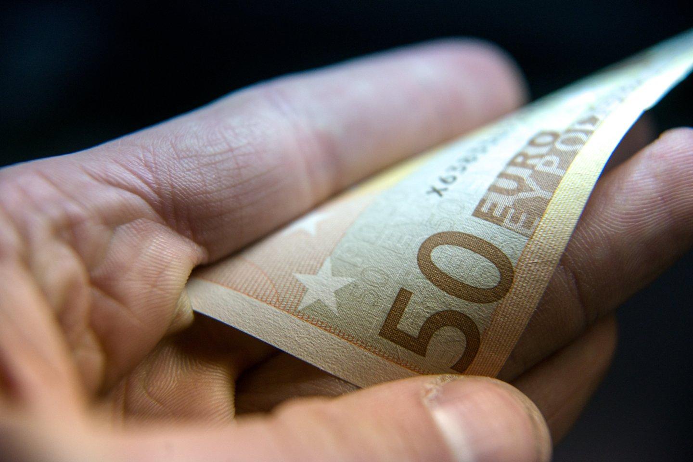 Balandžio mėnesį pajamų surinkimas buvo prastesnis nei kovą – surinkta apie 31,1 proc. mažiau nei prognozuota, teigė finansų ministras Vilius Šapoka.<br>J.Stacevičiaus nuotr.