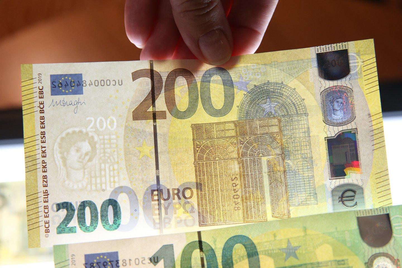 Balandžio mėnesį pajamų surinkimas buvo prastesnis nei kovą – surinkta apie 31,1 proc. mažiau nei prognozuota, teigė finansų ministras Vilius Šapoka.<br>R.Danisevičiaus nuotr.