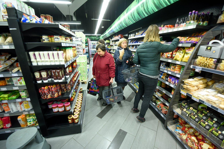 Noras pirkti lietuviškas daržoves ir kitas prekes toliau stiprėja.<br>D.Umbraso nuotr.