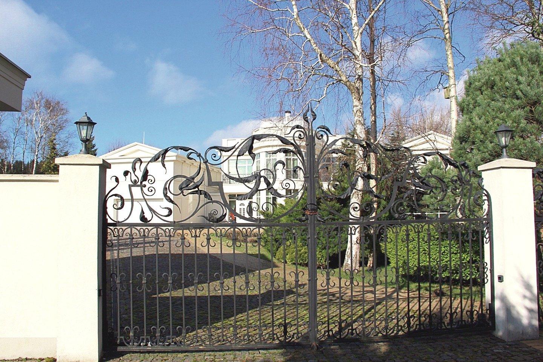 Karpavičių name už dyką ilsėjosi daug garbių svečių, tarp jų ir V.Landsbergis.<br>S.Mikučio nuotr.