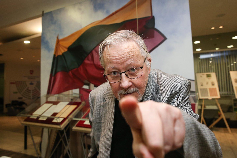 V.Landsbergis sutiko liudyti byloje dėl užginčyto R.Karpavičiaus testamento.<br>R.Danisevičiaus nuotr.