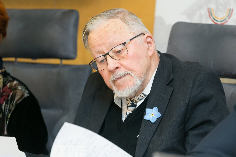 V.Landsbergis sutiko liudyti byloje dėl užginčyto R.Karpavičiaus testamento.<br>T.Bauro nuotr.