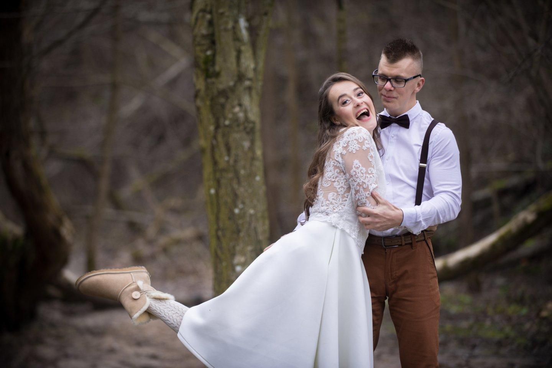 """Pora susituokė praėjus vos 4 mėnesiams nuo pažinties.<br>""""Spyglio kadras"""" nuotr."""