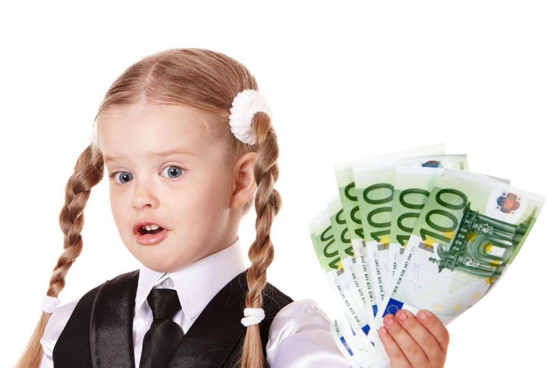 Vaikai finansinio raštingumo turi pradėti mokytis iškart, kai gauna pirmuosius pinigus.<br>123rf nuotr.