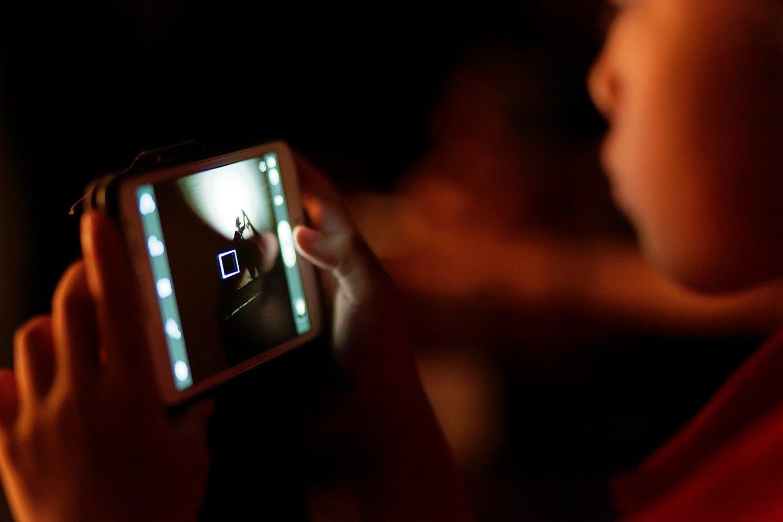 Daugiausia miego pasiglemžia išmanieji ekranai ir internetas.<br>Pixabay.com nuotr.