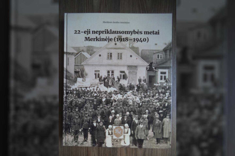 Merkinės praeities apžvalgos sudėtos jau ne į vieną knygą, tačiau nė viena iš jų nebuvo skirta 22 nepriklausomos valstybės metams 1918–1940 m. laikotarpiu.