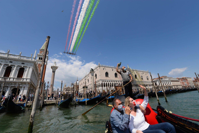 Veneciją užklupo netikėtas potvynis birželio mėnesį.<br>Scanpix/Reuters/AFP nuotr.