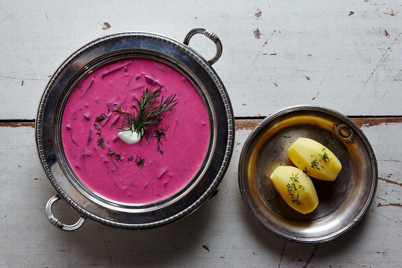Šaltibarščiai – populiariausia sriuba vasarą.<br>N.Palucko nuotr.