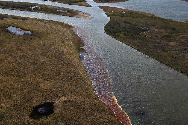 Į tundrą ištekėjo 20 tūkst. kubinių metrų dyzelino, jis gamtą užterš ilgam.<br>AFP/Scanpix nuotr.