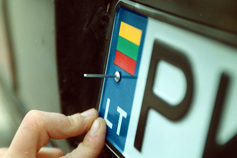 Norintieji savo automobilį paženklinti išskirtiniais numerio ženklais galės rinktis iš dar daugiau derinių.<br>A.Barzdžiaus nuotr.