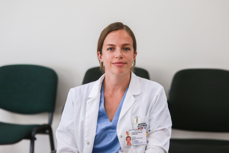 Kauno klinikų Reprodukcinės medicinos centro embriologė dr. Agnė Kozlovskaja-Gumbrienė.<br>G.Bitvinsko nuotr.