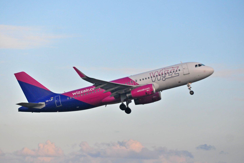 """Skrydžių bendrovė """"Wizz Air"""" portalui perdavė, kad tuo atveju, jeigu keleivis negali išvykti iš šalies, bendrovė skrydžių nekompensuoja.<br>A.Vaitkevičiaus nuotr."""