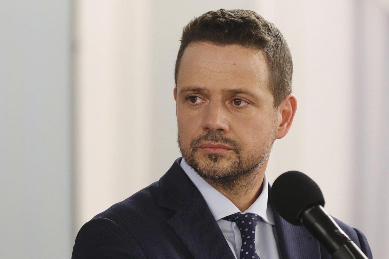Intrigos kaltininkas – opozicinės Piliečių platformos partijos (PPP) iškeltas naujas kandidatas Varšuvos meras R.Trzaskowskis.<br>AP/Scanpix nuotr.