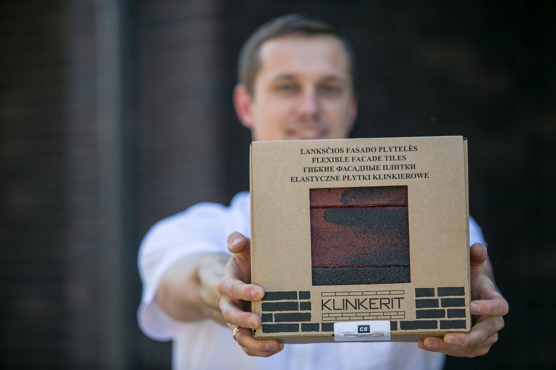 """""""Klinkerit"""" – naujas produktas iš Lietuvos gamintojų rankų. Rankų darbo plytelės, kurių gamyboje naudojamos natūralios žaliavos.<br>Partnerio nuotr."""