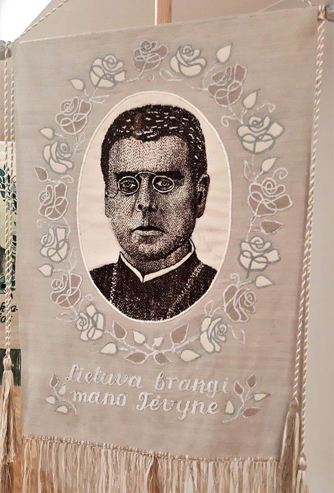 """""""Lietuvos didieji"""". Tautos žadintojas Maironis.<br>G.Pilaičio nuotr."""