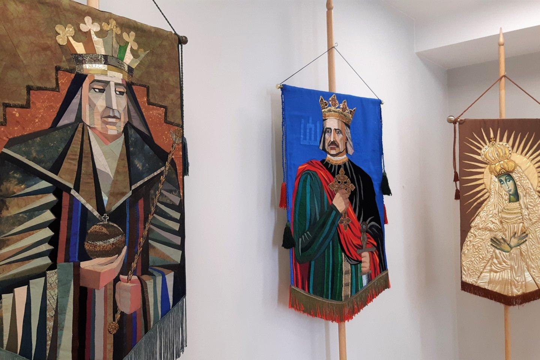 """S. Kanaverskytė. Istorinių vėliavų paroda """"Vardan tos"""".<br>G.Pilaičio nuotr."""