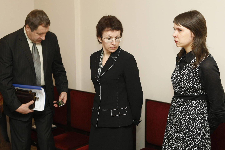 Buvę Panevėžio teisėjai Rimantas Savickas, Virginija Savickienė ir jų dukra Justė Savickaitė.<br>R. Danisevičiaus nuotr.