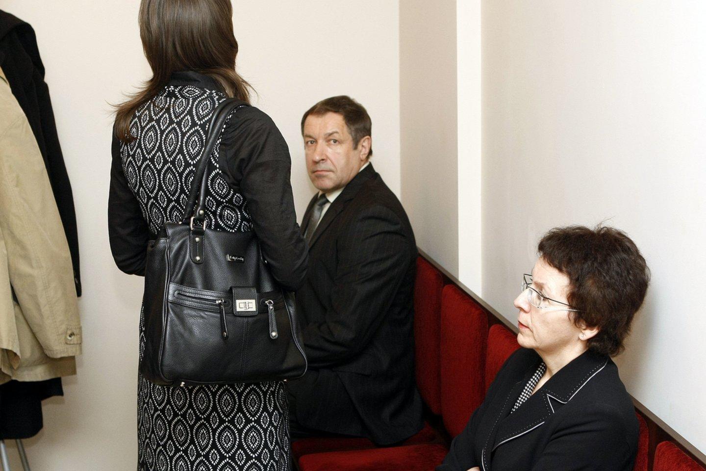 Buvę Panevėžio teisėjai Rimantas Savickas, Virginija Savickienė ir jų dukra Justė Savickaitė.<br>R.Danisevičiaus nuotr.