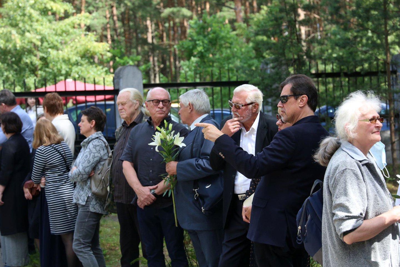 Osvaldo Daugelio laidotuvės.<br>M.Patašiaus nuotr.