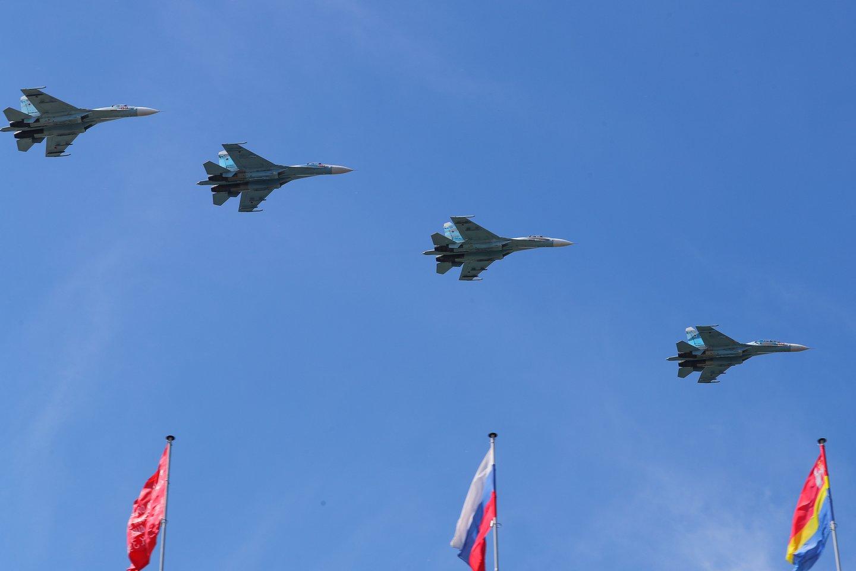Du Rusijos naikintuvai, kaip įtariama, antradienį pažeidė Suomijos oro erdvę prie Helsinkio krantų, pranešė Suomijos gynybos ministerija.<br>TASS/Scanpix nuotr.