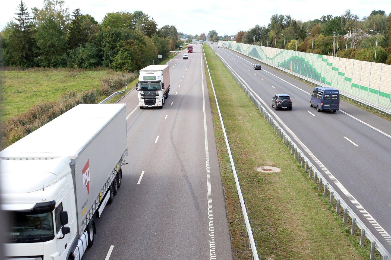 Transportas ir logistika – vienas iš pamatinių Lietuvos ūkio sektorių.<br>M.Patašiaus nuotr.