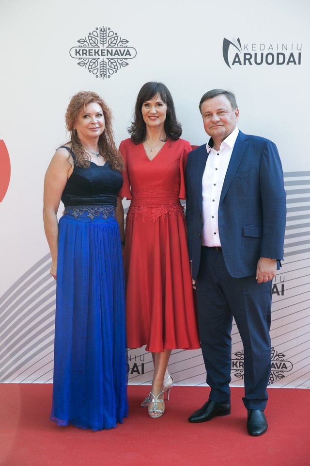 Jolanta ir Vydas Gedvilai, Jolanta Blažytė (centre).<br>T.Bauro ir V.Skaraičio nuotr.
