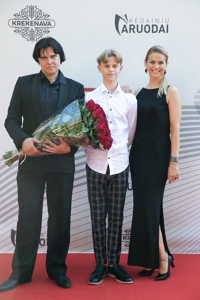 Gintaras Svistunavičius su žmona Jurgita ir sūnumi.<br>T.Bauro ir V.Skaraičio nuotr.