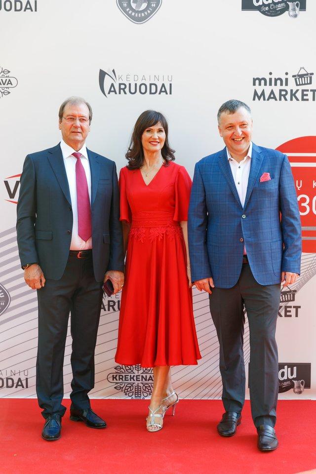 """""""Vikonda"""" įmonių grupės 30-mečio šventės svečiai.<br>T.Bauro ir V.Skaraičio nuotr."""