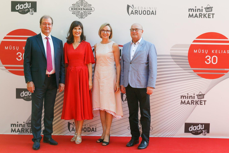 Viktoras Uspaskichas, Jolanta Blažytė, Loreta Stonkienė ir Visvaldas Matijošaitis.<br>T.Bauro ir V.Skaraičio nuotr.