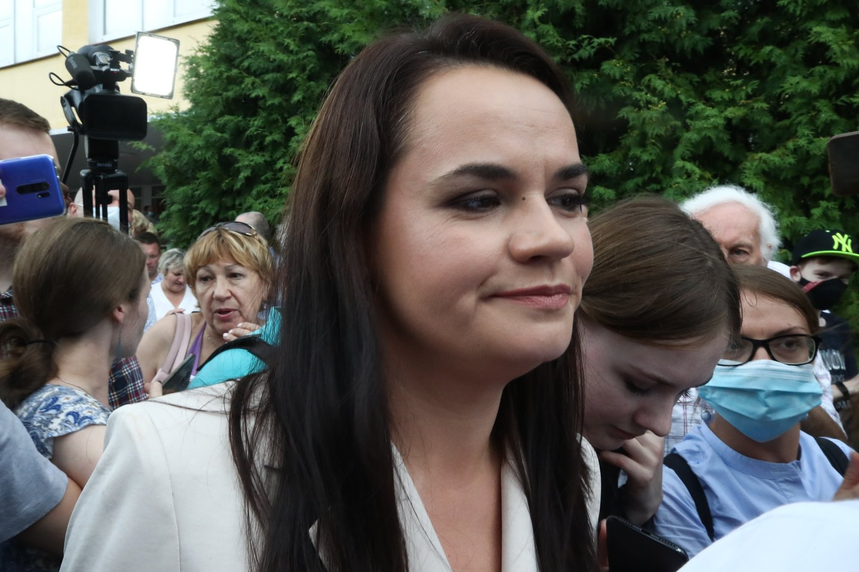 Baltarusijos opozicijos kandidatė Svetlana Cichanovskaja pateikė Centrinei rinkimų komisijai skundą dėl praeitą savaitgalį vykusių prezidento rinkimų rezultatų, antradienį pranešė jos atstovė Ana Krasulina.<br>TASS/Scanpix nuotr,