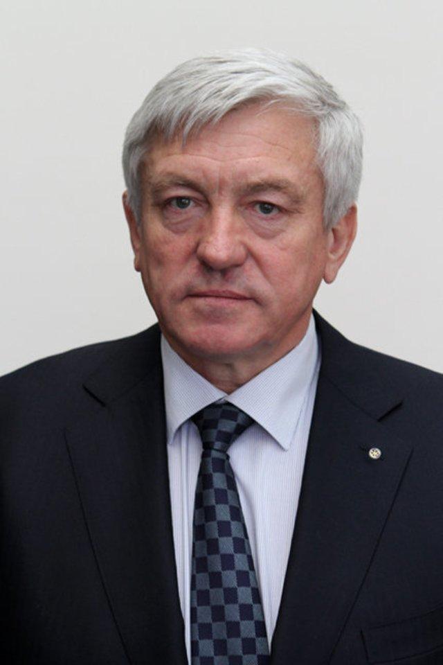 Šiaulių Garbės piliečio vardo suteikimo komisija nusprendė inauguracijai teikti A.Butkaus kandidatūrą.<br>Šiaulių banko archyvo nuotr.