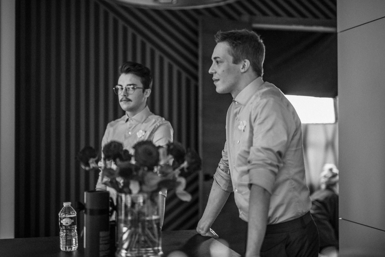 """Filmo """"Advokatas"""" užkulisiai. Pranas – aktorius Danilas Pavilionis, Lukas – aktorius Denisas Kolomyckis.<br>J.Lubinaitės nuotr."""