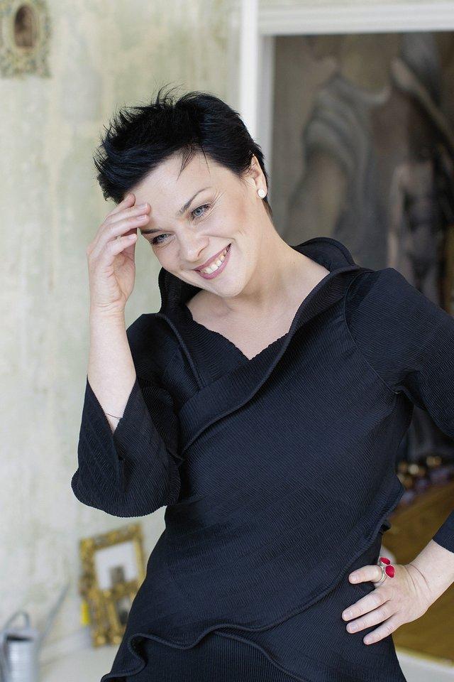 Rugpjūtis – auksinis Aušrinės Stundytės laikas, ji debiutavo Zalcburgo festivalyje Austrijoje, kur sulaukė puikių įvertinimų sudainavusi Elektrą Richardo Strausso operoje.<br>LR archyvo nuotr.