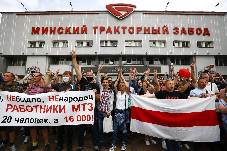 Protestai Baltarusijoje gniaužiami jėga.<br>AP/Scanpix nuotr.