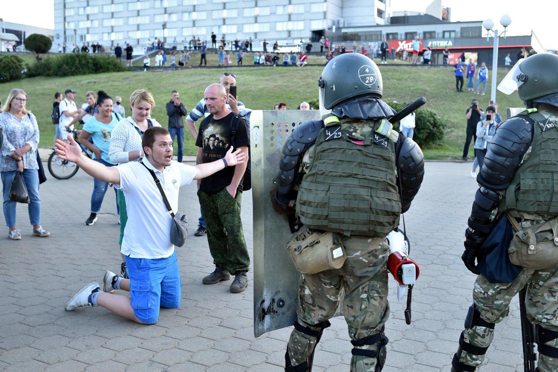 Protestai Baltarusijoje gniaužiami jėga.<br>AFP/Scanpix nuotr.