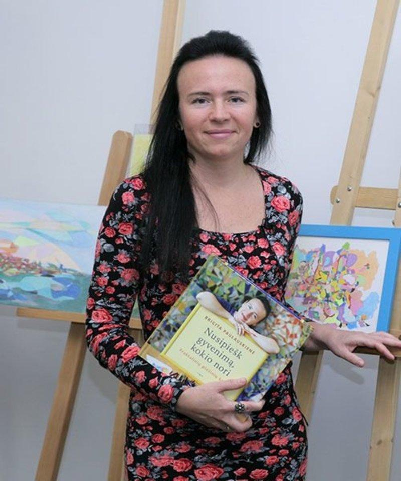 B.Paulauskienė – sertifikuota fraktalinio piešimo mokytoja.