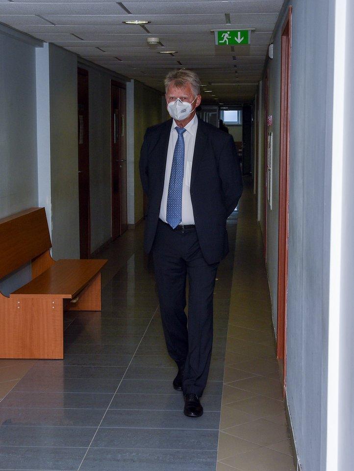 Teisme vyksta ginčia dėl R.Karpavičiaus palikimo.<br>V.