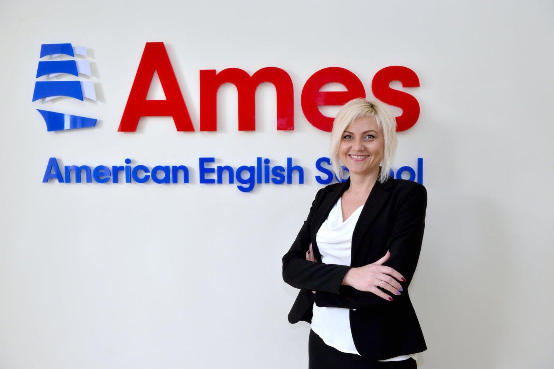 """""""American English School"""" (AMES) Kauno filialo direktorė Greta Balaišienė pastebi, jog tai, kad anglų kalbos reikia mokytis tiems vaikams, kuriems nesiseka ji mokykloje, yra visiškas mitas.<br> AMES Kauno filialo nuotr."""