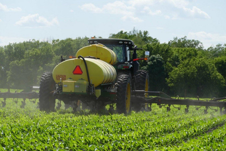 Žemės ūkio ministerijai pakeitus Apdorojimo augalų apsaugos produktais įrangos techninės apžiūros taisykles, dabar techninė apžiūra bus privaloma visoms profesionaliajam naudojimui skirtoms apdorojimo įrangos rūšims.<br>ŽŪM nuotr.