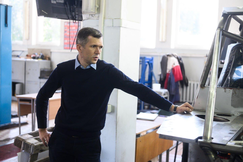 Vyriausiasis projekto inžinierius – VGTU Transporto inžinerijos fakulteto profesorius Raimundas Junevičius.<br>V. Skaraičio nuotr.